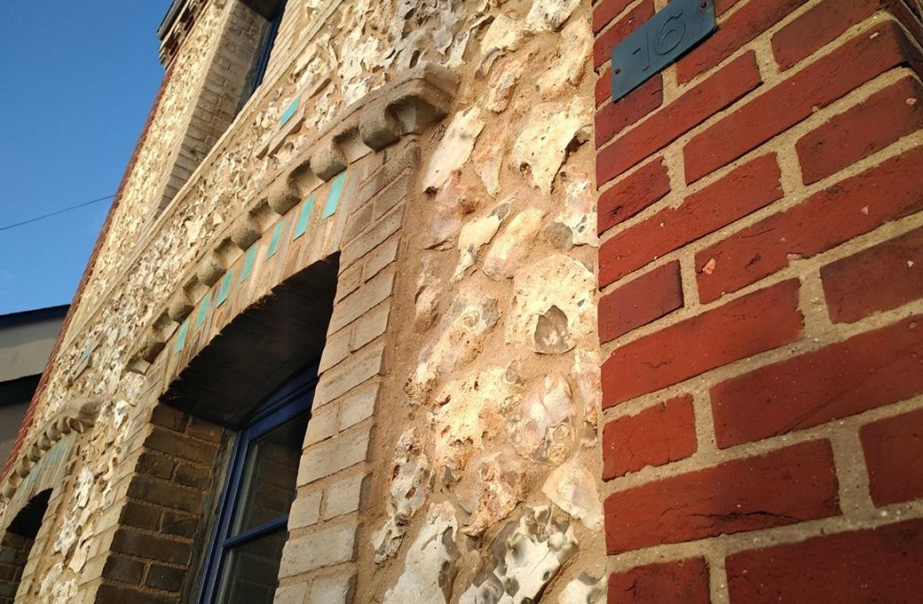 Rénover joint de briques